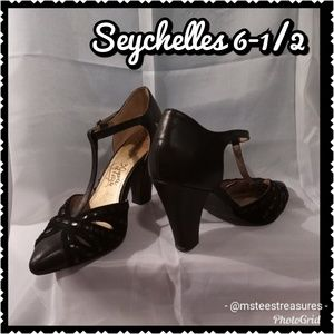 Seychelles Black Leather Heels 6-1/2